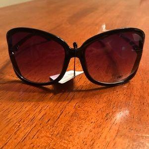 Women's DG Solid Black Sunglasses